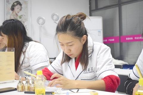 郑州半永久培训学校莱美时尚全科技术班