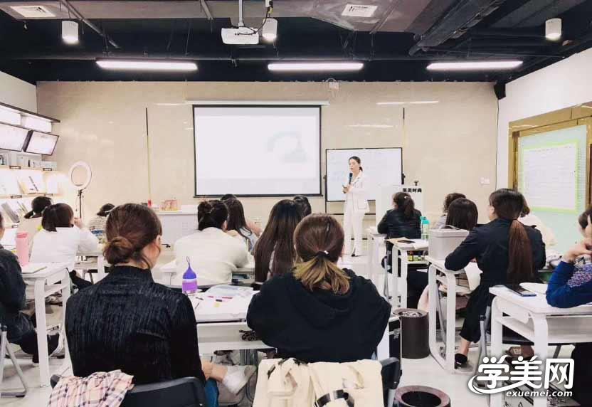 纹绣培训学校,郑州莱美美妆培训学院